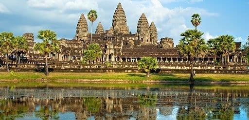 PMGY Volunteer Weekend trips in Cambodia at Angkor Wat in Siem Reap during their Volunteer work in Cambodia