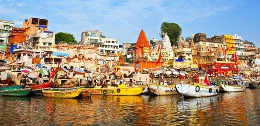 PMGY Volunteer Weekend trips in India on the River Ganges in colourful Varanasi during their Volunteer work in India