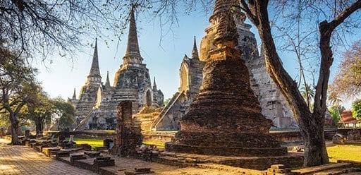 PMGY Volunteer Weekend trips in Thailand exploring ancient Ayutthaya during their Volunteer work in Thailand