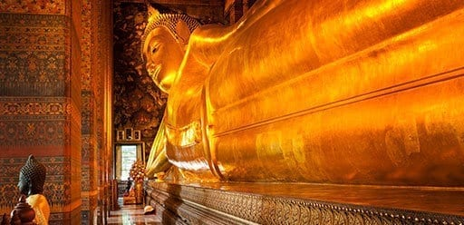 PMGY Volunteer Weekend trips in Thailand at the reclining golden Buddha in Wat Pho during their Volunteer work in Thailand