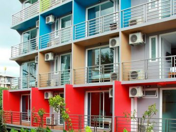 Colourful hotel balconies in the Volunteer abroad accommodation on the PMGY Thailand Intro Experience