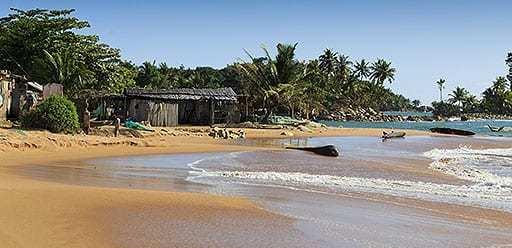 PMGY volunteer in Ghana at Busua Beach during their volunteer weekend trips in Ghana