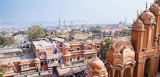 PMGY volunteer in India exploring Jaipur during their volunteer weekend trips in India