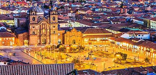 PMGY volunteer in Peru visiting Cusco Square during their volunteer weekend trips in Peru