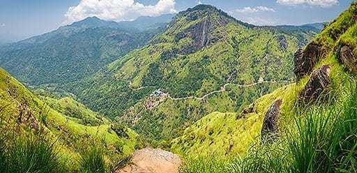 PMGY volunteer in Sri Lanka hiking Mini Adams Peak during their volunteer weekend trips in Sri Lanka
