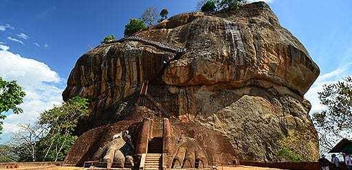 PMGY volunteer in Sri Lanka hiking Sigiriya during their volunteer weekend trips in Sri Lanka