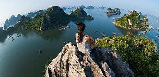 PMGY volunteer in Vietnam exploring Ha Long Bay during their volunteer weekend trips in Vietnam