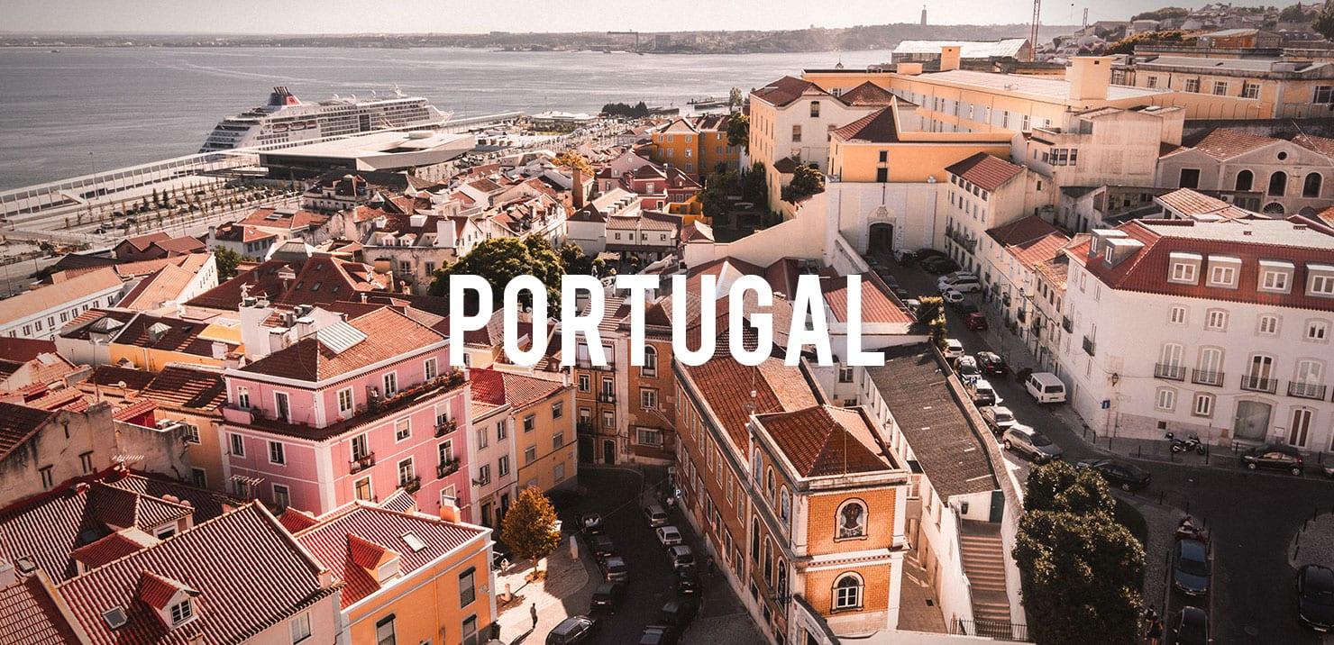 PMGY volunteer enjoying the Lisbon architecture during the volunteer abroad program