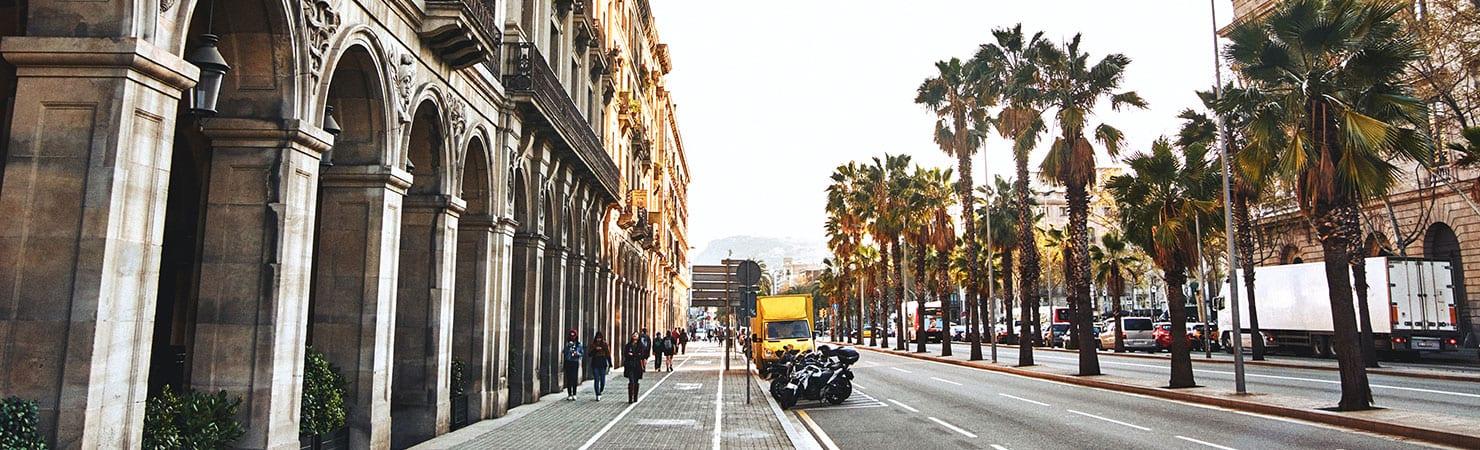 PMGY volunteer exploring the streets of Barcelona during their volunteer work in Spain