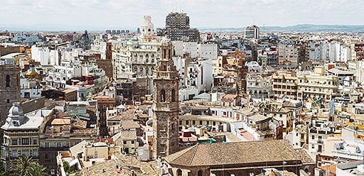 PMGY volunteer weekend trips in Spain taking in Mediterranean climate of Valencia