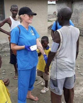 """""""I had an absolutely incredible time in Ghana with Plan My Gap Year and would recommend this experience to anyone and everyone. I quickly felt welcomed into their big family. I took part in the medical program and was amazed by all the incredible experiences I had the pleasure of being involved with and observing. This was to date the best experience of my life."""" 💯  Sarah joined our Ghana medical project in March 2018 experiencing both hospital and community outreach placements. 🏥   Like Sarah, you can volunteer in Ghana and become part of the big PMGY Ghana family. 🙌  #pmgy #pmgyghana #pmgyfamily #pmgymedical"""