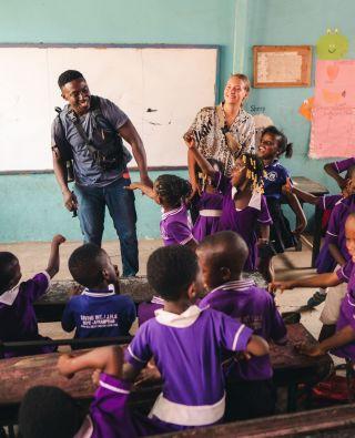 Happy Friday everyone! 🙌  I wonder if the children at Divine International School have that Friday feeling too? 😜  #pmgy #pmgyghana #pmgyteaching #volunteerabroad