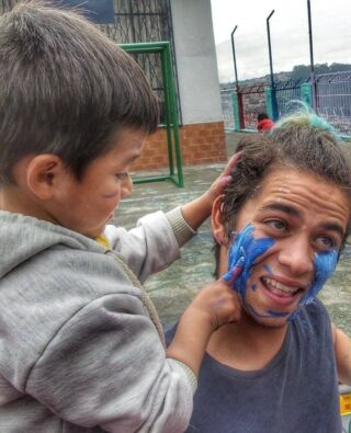 That face you make when you allow your student to do your make up!  #pmgy #pmgyecuador #pmgychildcare