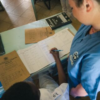 Joining our medical project in Tanzania is a fantastic and unique opportunity to learn more about health care provision in a developing country. 🩺  Medical volunteers will likely witness a range of cases you may never come across back home. There will also be the chance to learn about tropical diseases too.⚕️  #pmgy #pmgytanzania #pmgymedical