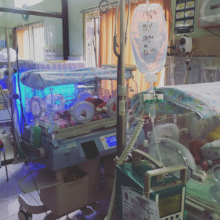 Today PMGY Bali Co-ordinator Katherine went to the hospital to meet with the medical teams! Tabanan hospital is full of many departments-A&E, neonatal, theatres, clinics, labs, delivery units and so many more! #pmgy #pmgybali #pmgymedical
