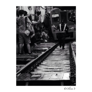 """ Life is an adventure, dare it. ""  #train #trainmarket #thailand #market #railway #railroad #thailandmarket #discoverthailand #authentic #tourism #railwaystation #streetshot #blackandwhite #monochrome #photography #travel #travelphotography #discoverthailand #pmgy #pmgythailand #panasonic #lumixgx80 #june #2k18"