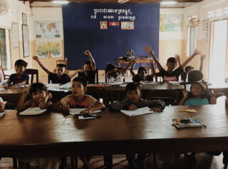 Teaching at the orphanage♥️📚👩🏻‍🏫 #cambodia #volunteering #pmgycambodia #teaching