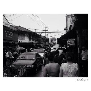 #thailand #market #street #thailandstreet #streetshot #cars #asianstreet #shop #friends #discoverthailand #authentics #monochrome #blackandwhite #blackandwhitephoto #photography #photographylovers #panasonic #lumixgx80 #volunteer #pmgy #pmgythailand #travel #travelthailand #june #2k18