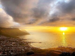 The sunsets on another week in Cape Town❣ . #lionshead #pmgysouthafrica