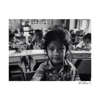 Au naturel 🌚  #thailand #thai #portrait #portraitphotography #portrait_shots #portraitvision_ #portrait_ig #portrait_society #society #kids #kid #classroom #thailand_ig #thaipeople #littlegirl #girl #volunteer #volunteering #teacher #teaching #pmgy #pmgythailand #monochrome #monochromeportrait #blackandwhite #bnw #june2k18 #panasoniclumix #lumixgx80