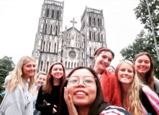 A volunteer's first few days in Vietnam will include an orientation, introduction to their project, and a tour of some of Hanoi's best spots 🌇🇻🇳 . Some of our newest volunteers can be seen here sharing a smile outside St Joseph's Cathedral as they explored the city! ⛪ . #pmgy #pmgyvietnam #pmgyadventures #pmgytravel #planmygapyear . #travel #instatravel #travelgram #passportready #travelblogger #ilovetravel #instatravelling  #instapassport #postcardsfromtheworld #traveldeeper #volunteer #volunteering #vietnam #explorevietnam #asia #asiatravel #hanoi #hanoiadventures #hanoiadventure #newfriends #newfaces #exciting #smile