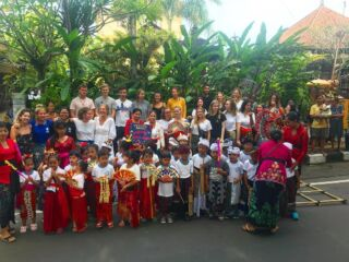 Celebrating Nyepi day with an amazing parade with our Akasa kindergarten and help from our volunteers! 🌚 . Nyepi Day (silent day) in Bali is a New Year celebration.  It's ultimately the quietest day of the year, when all of the island turns off its light, stays silent and stays in doors. . On the day before, it is celebrated by Ngrupuk parade with the Ogoh-Ogoh statues, symbolically burnt with the torches afterwards. . ⭐️ #pmgybali #pmgy #travelbali #volunteerabroad #bali #nyepi #baliguide