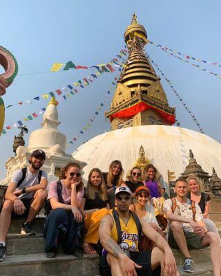 Namaste from Kathmandu 🙏🏽 . Our newest volunteers are taking a tour around Swayambhunath Temple for their arrival orientation, watch out for those monkeys! 🐒 . 📸: @nareshasim_ghimire . #pmgynepal #pmgyteaching #pmgychildcare #pmgyadventures #pmgyexperience #pmgycommunity @planmygapyear . #volunteernepal #monkeytemple #swayambhunath #pokhara #kathmandu #chitwan #travelgram #tefl #teachabroad #travelblogger #backpackingasia #instatravel #explorenepal